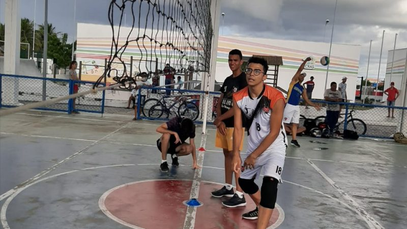 ABNEGADOS DO ESPORTE: Projeto Meninos do CEU incentiva a pratica de vôlei no BTN