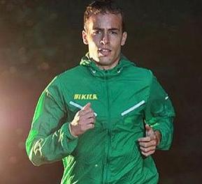 Honestidade: Corredor espanhol desiste de vencer a corrida após líder parar por engano