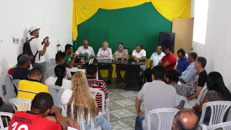 Prefeito se reúne com desportistas do BTN e anuncia construção de dois campos de futebol no bairro