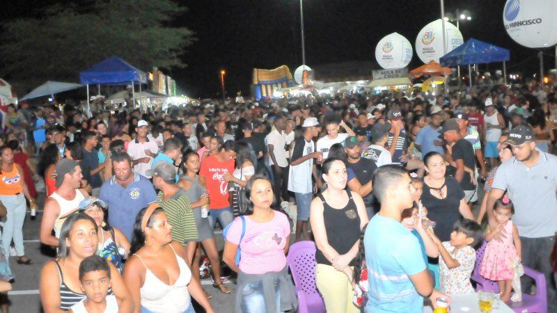 Público aprova Quinta na Praça no BTN e lota evento na primeira edição no bairro