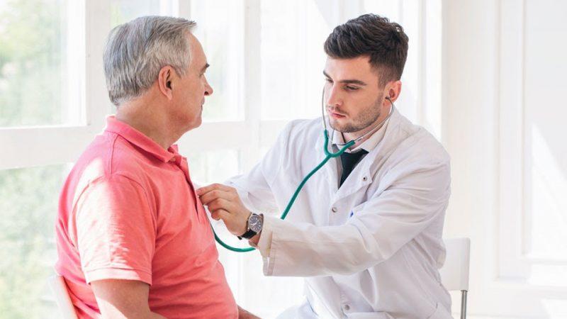 Idosos estão entre os grupos mais vulneráveis ao coronavírus: saiba os riscos e as recomendações