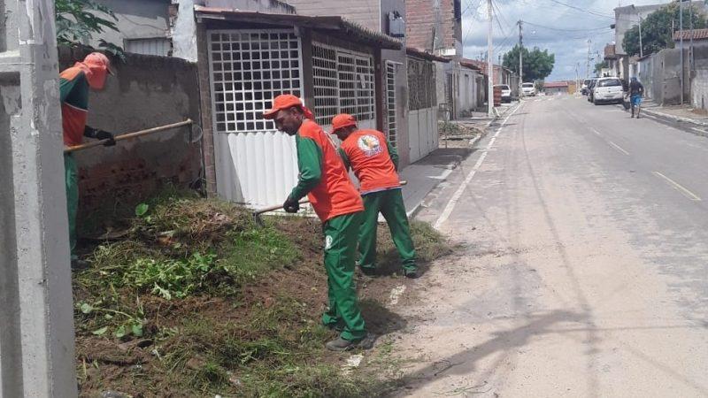 Prefeitura de Paulo Afonso segue com serviços de limpeza por toda a cidade