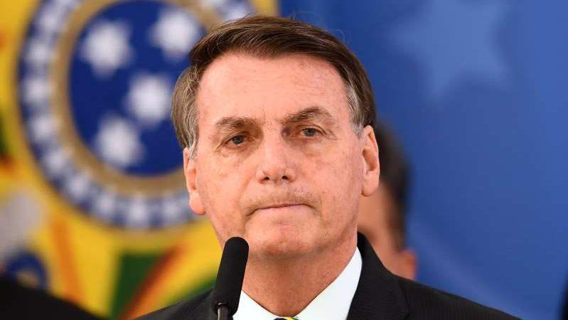 Sem apresentar provas, Bolsonaro acusa governadores de desvio de verbas