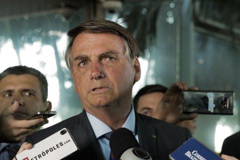 """""""Não vou esperar f* minha família toda"""", diz Bolsonaro sobre """"interferir"""" na Polícia Federal"""