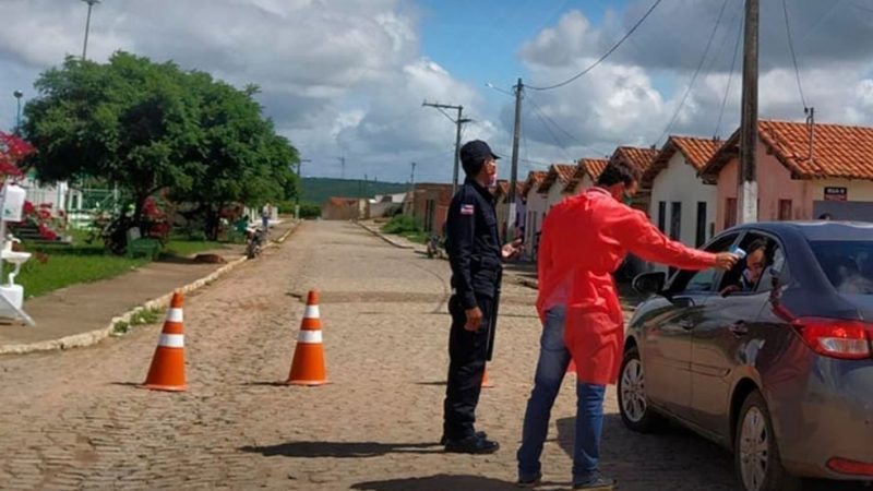 Quase um ano após rompimento de barragem na Bahia, moradores de Coronel João Sá ainda vivem em casas interditadas