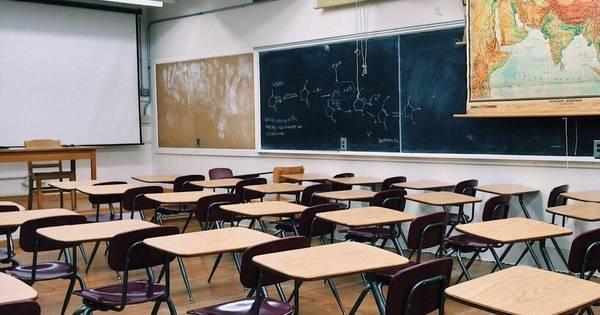 Depois de reabrir escolas, EUA veem aumento de 40% de casos em crianças