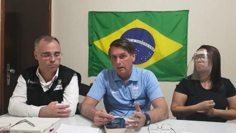 Bolsonaro diz que vai decidir pessoalmente sobre adoção do 5G no país