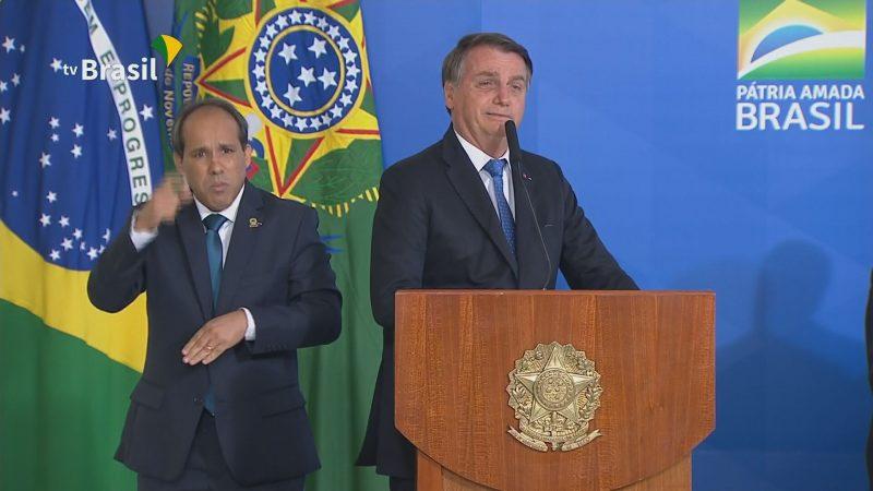 """Bolsonaro diz que acabou com a Lava-Jato """"porque não tem mais corrupção no governo"""""""