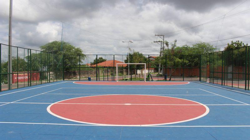 Moradores do Jardim Bahia são contemplados com requalificação da praça e da quadra de esportes