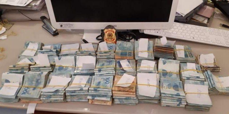 Operação Metástase: PF encontra quase R$ 300 mil na casa de investigado em Salvador