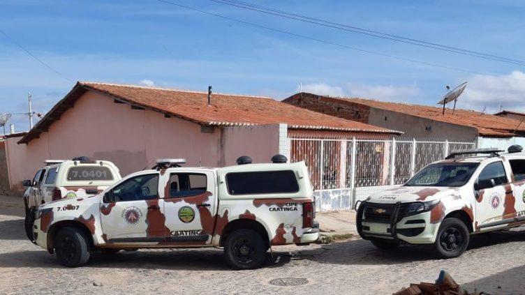 Dupla suspeita de ataque em Jeremoabo morre em confronto com a PM na BA-210