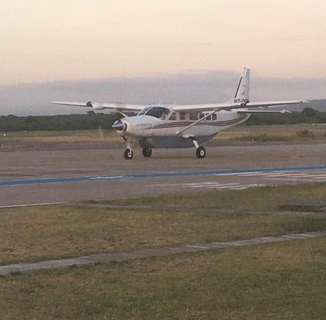 Avião pousa em Paulo Afonso trazendo 966 doses da vacina contra covid-19