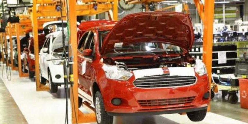 Clientes cancelam compras de veículos Ford e concessionárias querem indenização